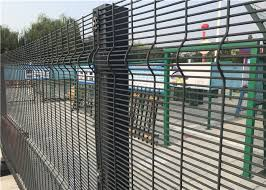 Powder Coated Welded Wire Mesh Fence Panels For Prison With Square Hole