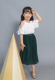 Set áo yếm trắng + váy xếp ly xanh lá Lovekids - LK0345