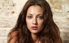 brunette brown e look sadness