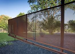 Design Workshop Put Industrial Mesh To Work Around The Home Fence Design Rustic Fence Backyard Fences