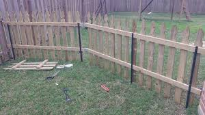 29 Simple Cheap Temporary Fencing Ideas Temporary Fencing Ideas Diy Garden Fence Diy Dog Fence Backyard Fences