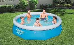 B M Is Selling 10ft And 6ft Pools For Just 1 But You Ll Need To Be Quick Pnu
