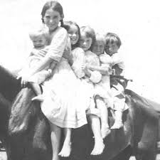 Shared Photo: Rolfe siblings: Dorothy, Celia, Jeannette, Mary, Myrtle,  Russell - WikiTree G2G