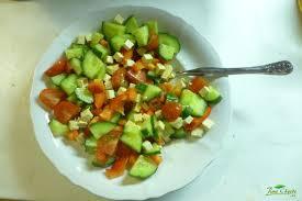 Zeleninový salát s tofu – JÍME CHYTŘE – Odborné výživové ...