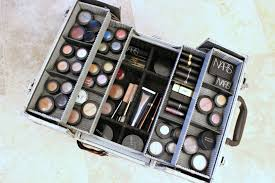 how to arrange your makeup box