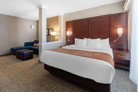 hotel fort suites dia denver co
