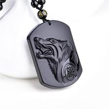 lucky amulet wolf head pendant carving