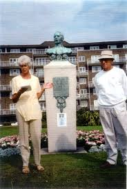 Photograph of Marlene Smith and Fred Hammond, Webb Memorial ...