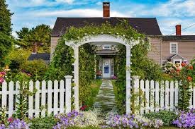 These Garden Fence Ideas Are Both Practical And Pretty Fence Landscaping Landscaping Along Fence Backyard Fences
