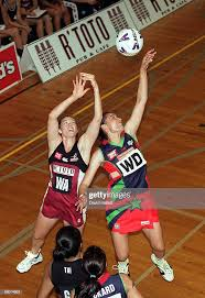 Thoroughbred Comets Sharlene Smith in action against the R'toto... News  Photo - Getty Images