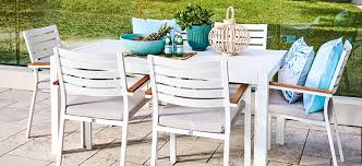 5 outdoor furniture trends we re loving