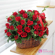 love romantic basket red roses