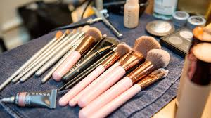 clean makeup brushes and palettes