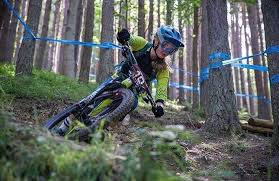 Female Riders Race Team At The British Enduro Champs - Pinkbike