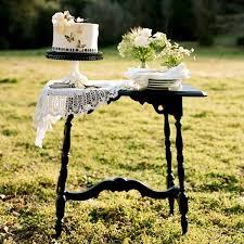 Faux Wedding: Sweet Spring Picnic | Snippet & Ink Snippet & Ink