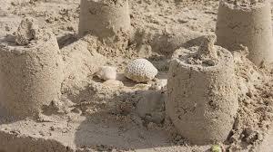 Niño que soñaba con construir castillos de arena por fin conoce la ...