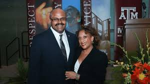 Mays Business School Dean And Wife Endow Scholarship For Future ...