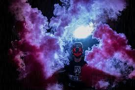 خلفية رجل قناع الدخان الملون Hd مجهول عريضة عالية الوضوح ملء الشاشة