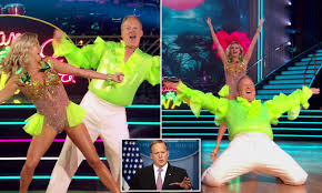 Sean Spicer makes debut on DWTS in a ...