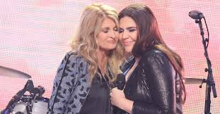 Lady Antebellum's Hillary Scott brings down the house with mother/daughter  duet | Rare Country