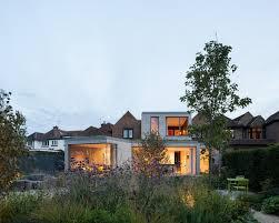 Oatlands Modern Home in England, United ...