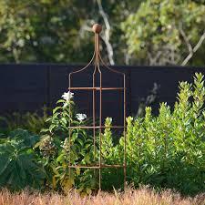 harrod square wire obelisk harrod