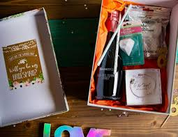 what to put in a bridesmaid box and a maid of honor box amy