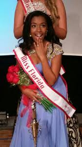 Heritage High Student Brianna Smith Crowned National American Miss Jr. Teen