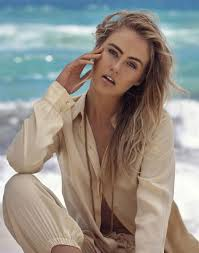 Stephanie Smith, Model   Superbe   Connecting fashion talents