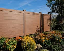Certainteed Debuts New Bufftech Brookline Vinyl Fence At Fencetech