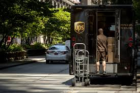 How much an investment in UPS 10 years ...