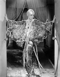 treasuredbeauty0812 | Hollywood costume, Art deco fashion, Old hollywood