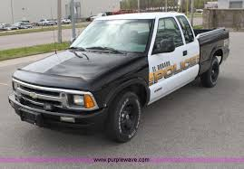 1996 Chevrolet S10 Extended Cab Pickup Truck In El Dorado Ks Item Aa9014 Sold Purple Wave