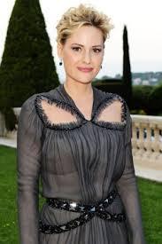 Aimee Mullins Muses on Beauty, Fame – WWD