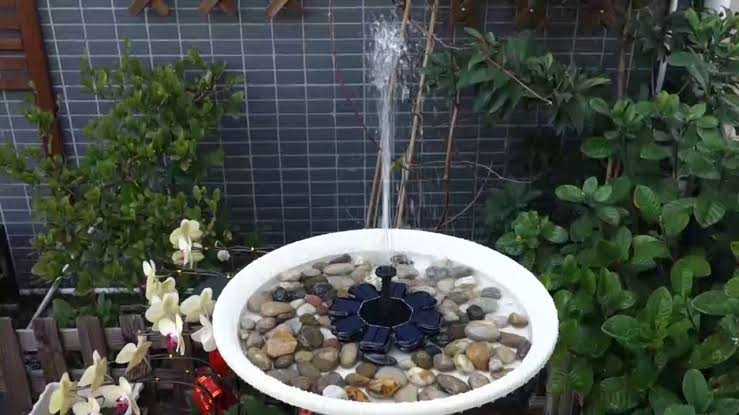 Solar Powered Fountains and Aeration Environmentally-Friendly Aeration or Fountain for Lakes & Ponds