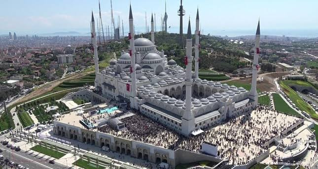 اردګان استانبول کې د ترکیې لوی جومات پرانېستی