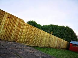 What Are The Benefits Of Choosing Feather Edge Fence We Build Garden Fencing In Cardiff And Newport We Are Kingsley Fencing