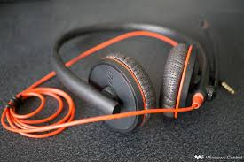 Plantronics Blackwire C3225 Review: Premium headset, solid call ...