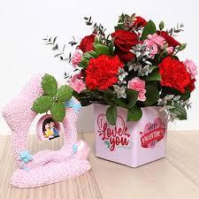 gift hers to al ain via ferns n petals