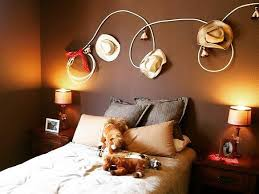 Such A Cute Way To Decorate A Little Kids Room Ropedecor Cowboyhatdecor Cowboyroom Cowgirlroom Westernkids Coun Cowboy Room Cowboy Bedroom Western Rooms