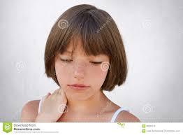Zamyka Up Atrakcyjny Male Dziecko Z Piegami I Ciemny Krotki Wlosy