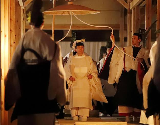 """Image result for Japan monarch spends symbolic night with goddess to end throne rituals"""""""