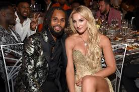 Spurs' Patty Mills corrects 'dufus' meme page after wife Alyssa is called a  'hot chick from Bondi' - San Antonio Express-News