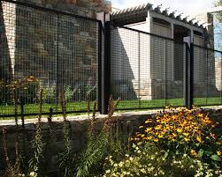 Wire Mesh Wire Cloth Fence And Enclosures Architectural Product Portfolio Fence Design Wire Mesh Fence Modern Fence