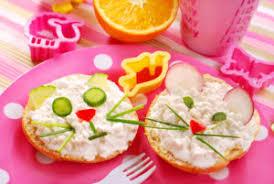 Wesołe śniadanie dla dziecka - Dom gotowy na wszystko!