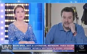 Coronavirus | Coronavirus, Salvini e il rosario da Barbara D'Urso ...