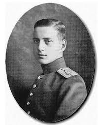Grand Duke Dimitri Pavlovich said to be the lover of Felix Yusupov. | Grand  duke, Romanov, Russia