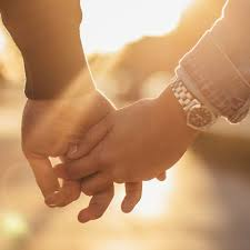 What Holding Hands Says About Your Relationship, According To Experts