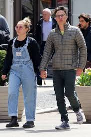 Zach Braff Is Spotted Holding Hands With British Actress Florence Pugh - E!  Online
