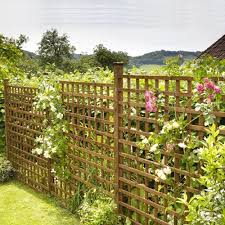 Square Trellis With Timber Posts Kudos Fencing Supplies Uk Delivery